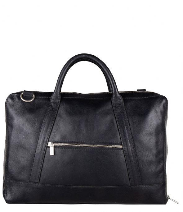 """<div class=""""col-xs-12 col-sm-6 dtxt""""> Prachtige schoudertas/laptoptas van het merk Bestway met veel ruimte. De schoudertas beschikt over een lange schouderband die verstelbaar en afneembaar is en 2 handvatten, doordat de schouderband verstelbaar is kunt u de tas altijd op de gewenste lengte dragen.Op de achterzijde zit een smart-sleeve, door de smart-sleeve kan de tas gemakkelijk aan een trolley bevestigd worden. </div>"""