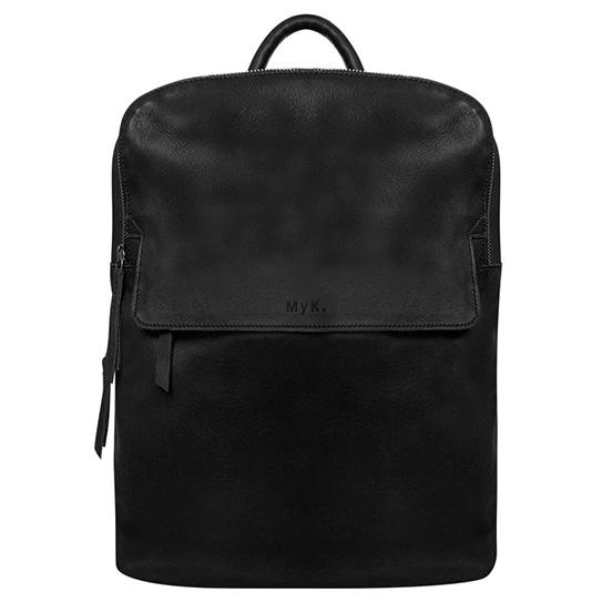 """De Forest Bag is prachtige echt leren rugzak van het merk MyK. Het leer van de tas is absoluut kwaliteitsleer met een super fijne zachte feel en een mooie uitstraling. De Explore Bag van MyK is elegant en functioneel voor iedere stijl en leeftijd. De tas beschikt op de bovenzijde over een ruim hoofdvak en een gewatteerd laptopvak 13"""" met ritssluiting. Intern heeft de tas een steekvak, een smartphonevakje en een ritsvak, handig voor de wat kleinere spullen. Ook heeft een voor- en achtervak met ritssluiting."""