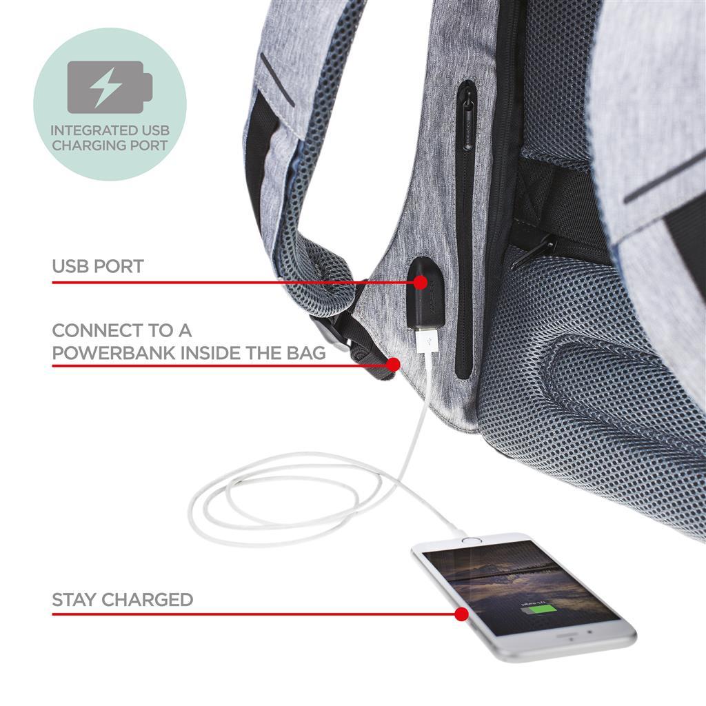 The Bag is een prachtige schoudertas van het merk Cowboysbag. The Bag is de klassieker uit de Cowboysbag collectie. Het leer van de tas voelt super aan en heeft een stoere uitstraling. De schoudertas beschikt over een lange schouderband die verstelbaar en afneembaar is en 2 handvatten.